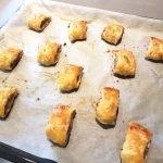 Mini saucijzenbroodjes met venkelzaad
