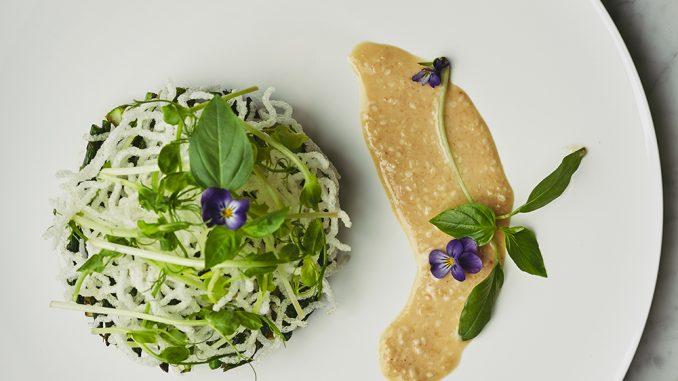 Foto rijstnoedels, asperges en Japanse dressing uit Leafs