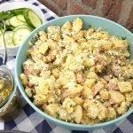 Aardappelsalade met spekjes en lentui voor bij de BBQ