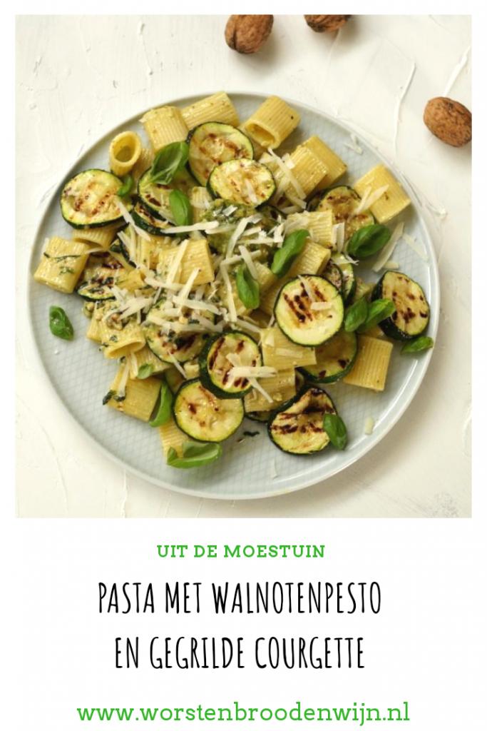 Pasta met walnotenpesto en gegrilde courgette