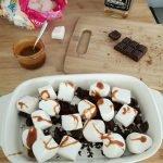 Recept voor BBQ dessert met marshmallows, chocolade, bourbon en gezouten karamelsaus #bbq #dessert #marshmallows