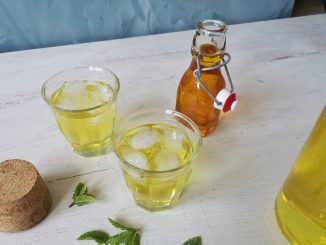 Sekanjabin: Perzische limonade met honing, azijn en saffraan